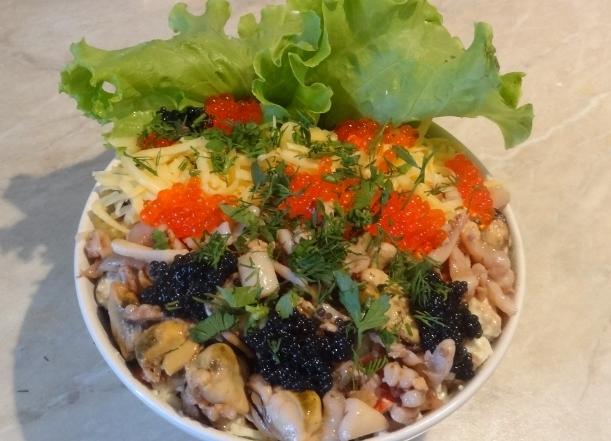салат из морепродуктов рецепт кальмары